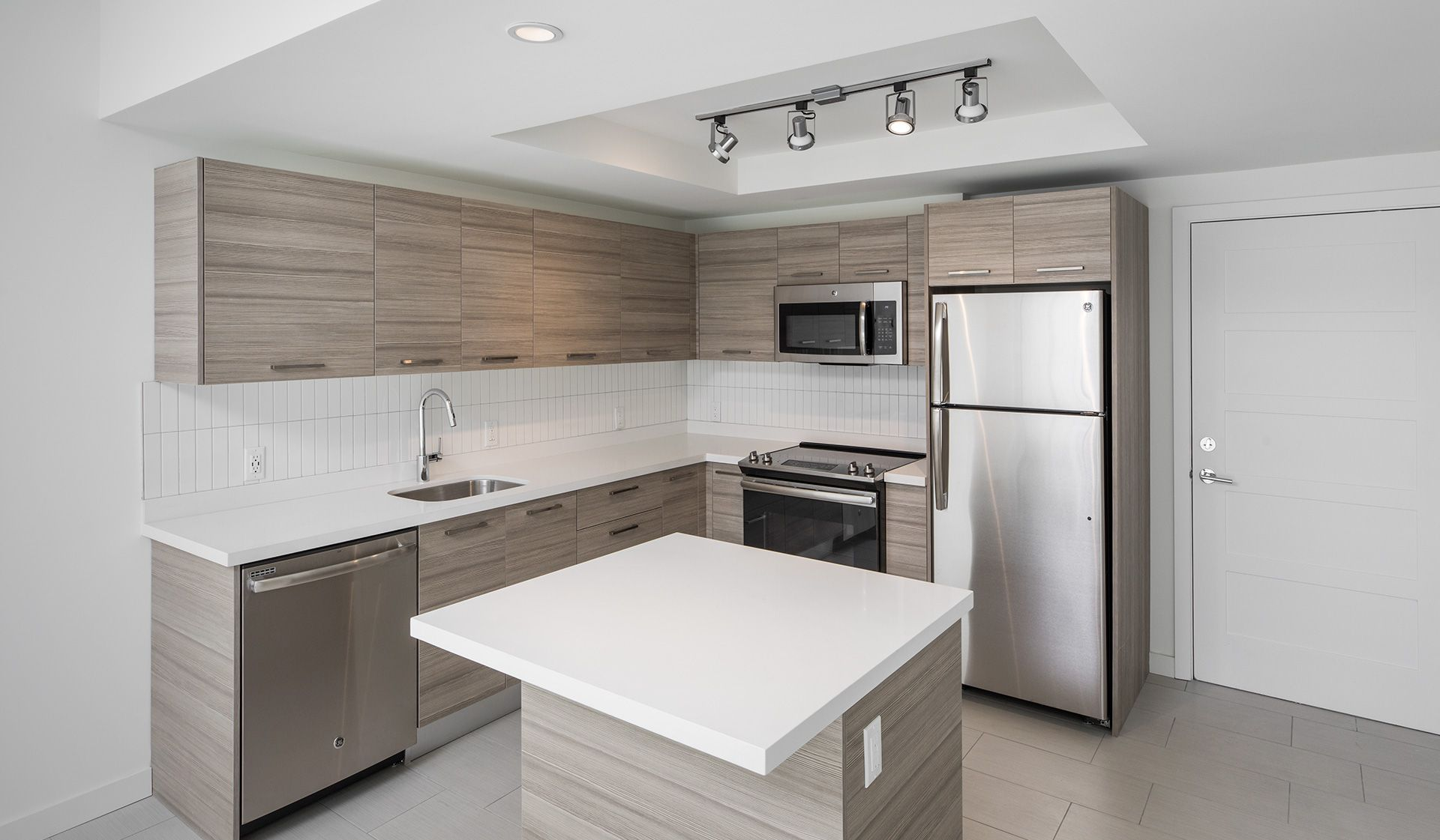 Modern Lanai apartment homes feature exquisite high-end ...