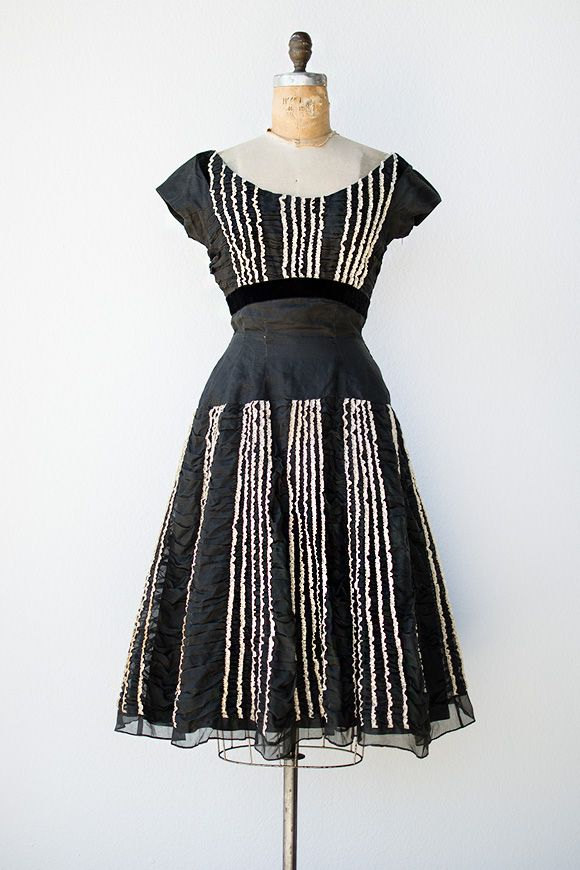 Vintage 1950s Black Organza Party Dress With Ruffles Vintage Clothing Online Vintage Outfits Vintage Dresses