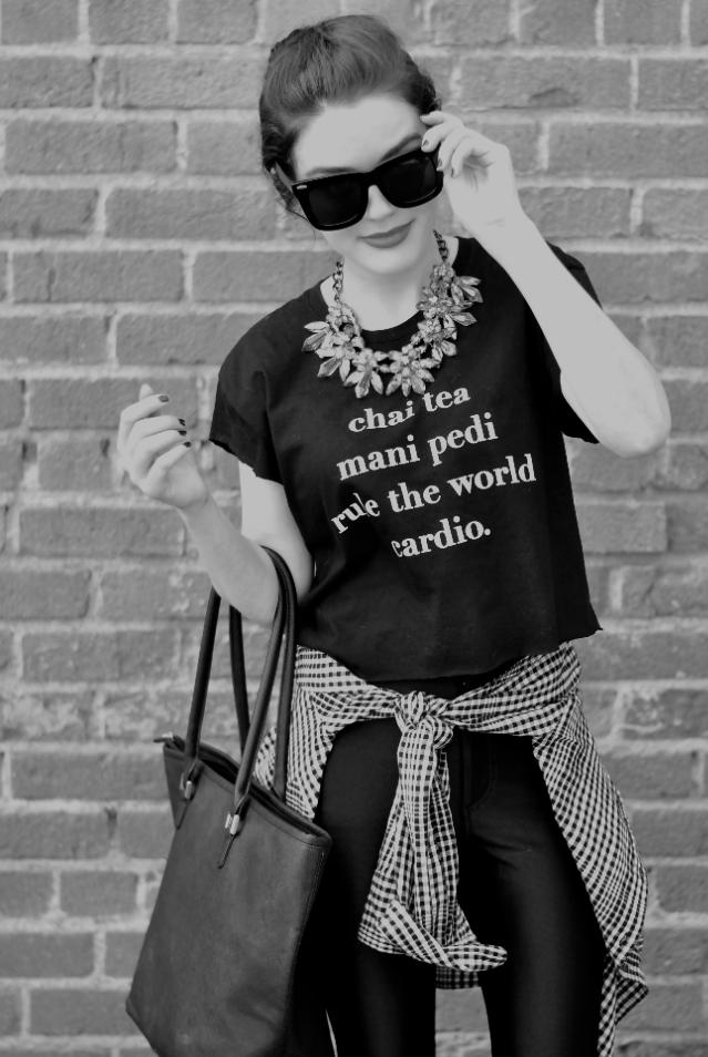 Camiseta + colar