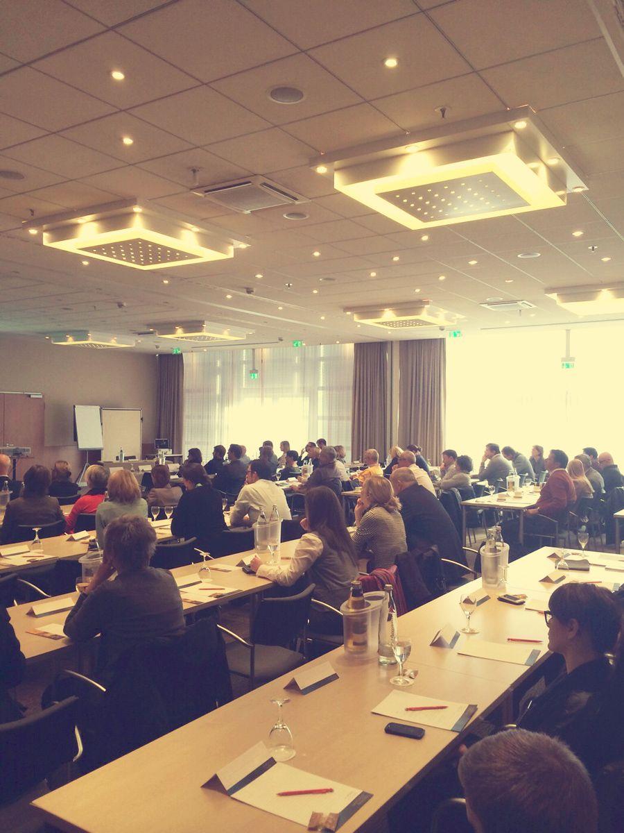 Gut gefüllte Reihen: Die Referenten freuten sich über ein aufmerksames Publikum. #SMDAC13 #Aachen