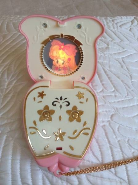 Emerge In The Mirror And Touching The Witch Mariberu Compact