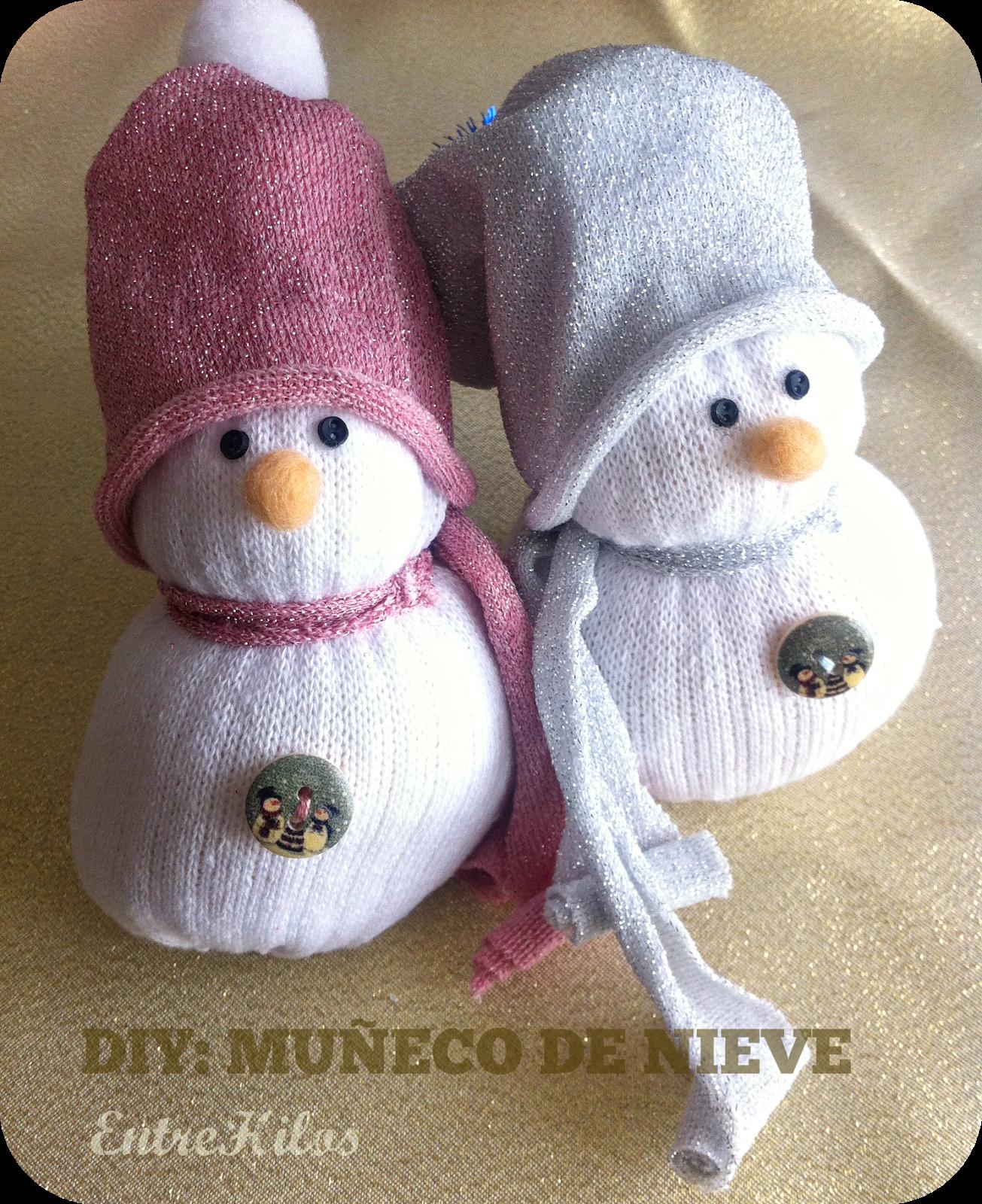 Diy c mo hacer un mu eco de nieve con un calcet n nieve - Hacer munecos con calcetines ...
