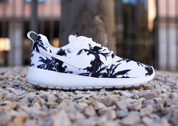 official photos 669d9 1e570 Nike Palm Tree Roshe Run Women by ConverseCustomized on Etsy