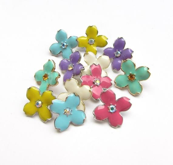 10 Purple Enamel Hydrangea Petal buttons - Wedding Bridemaid Hair Accessories Scrapbooking RB-069Pur