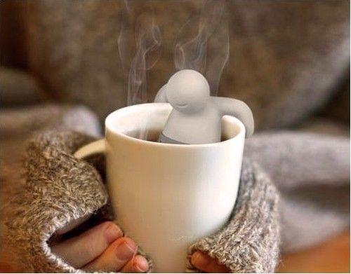 It's teatime  Teestunde für Ästheten Genuss schreibt man mit Tee  Ein ruhiger Moment, eine heiße Tasse, aromatischer Duft. Hier finden Sie alles für den perfekten Tee-Genuss: Von Wasserkochern über liebevoll designte Tee-Eier und -Siebe bis hin zu elegantem Geschirr.