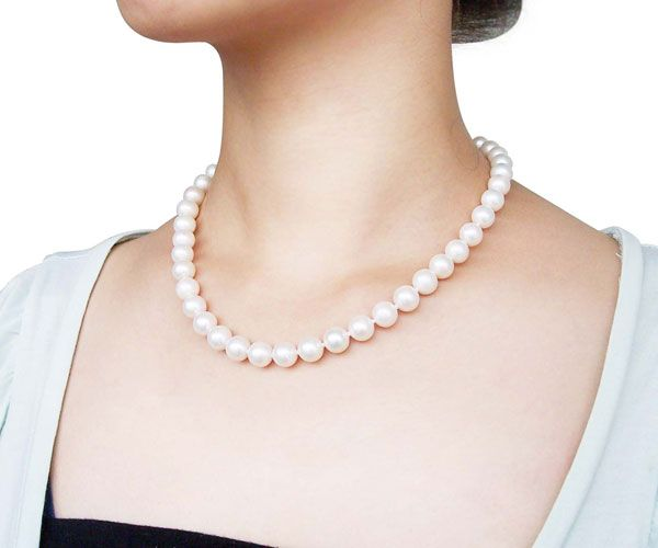 Oriental Pearls - Pearl Jewelry Wholesale. Do you need to get your wedding jewelry either for yourself or for your bridesmaids? How about jewelry made of real pearls? Pearls have always been used for wedding jewelry.