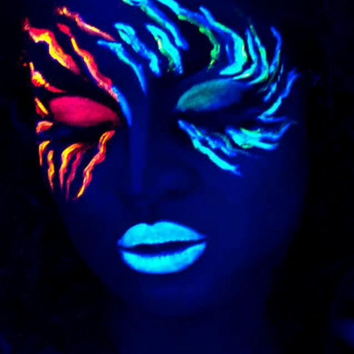 11 Glow In The Dark Makeup Looks That Will Totally Mesmerize You Black Light Makeup Neon Face Paint Dark Makeup Looks