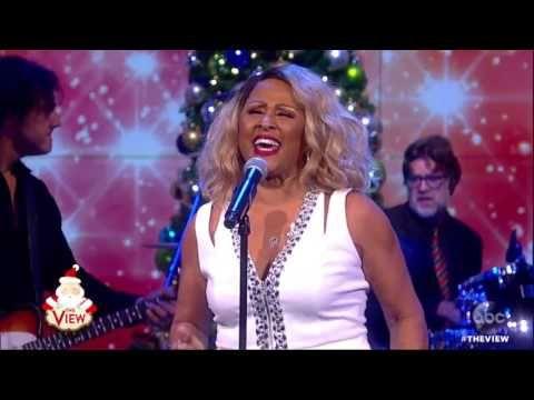 darlene love patti labelle perform christmas baby please come home bing video - Darlene Love Christmas Baby Please Come Home