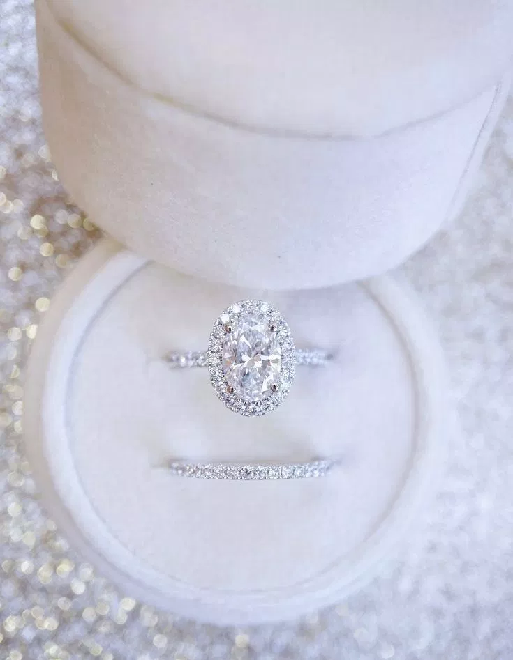 Pin By Jordyn Siciliano On Engagement Rings Wedding Rings Oval