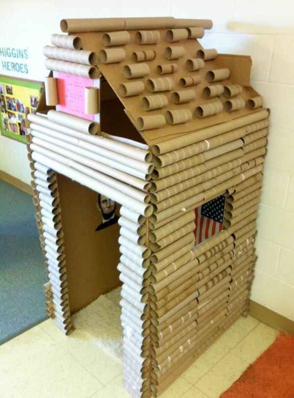 10 Idees Pour Recycler Les Tubes De Carton Des Rouleaux De Papier Cadeau Cardboard Houses For Kids Cardboard House Cabin Crafts