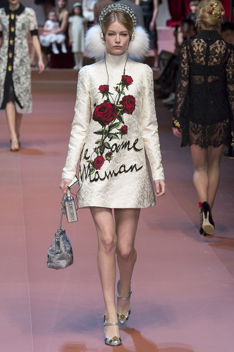 Dolce   Gabbana Fall 2015 RTW Runway - Vogue. The headphones are blowing my  mind right now. b5d122ca756