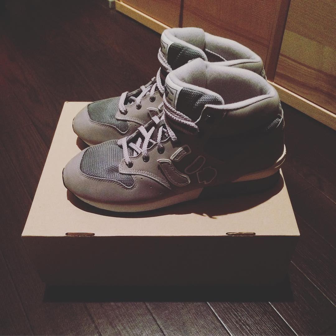 前々からトレッキングシューズ買うならこれだなーと思っていたにゅ笑 友人のお店で仕入れていたので買っちゃいました(笑  #靴 #sneaker #にゅ #にゅず #サンガッチョ #友人 #IROZA #iroza #おもしろい #ギャグ by yuya_taiji