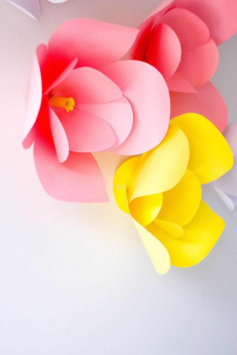 Diy Wall Decor The Easiest Diy Paper Flowers Do It Yourself