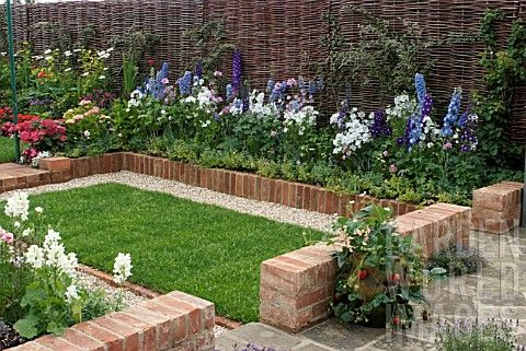 gardening with bricks SMALL GARDEN WITH BRICK BORDER SPRING