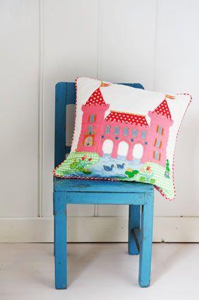 Room Seven Kussens.Castle Cushion From Room Seven Room Seven Shop Alkmaar