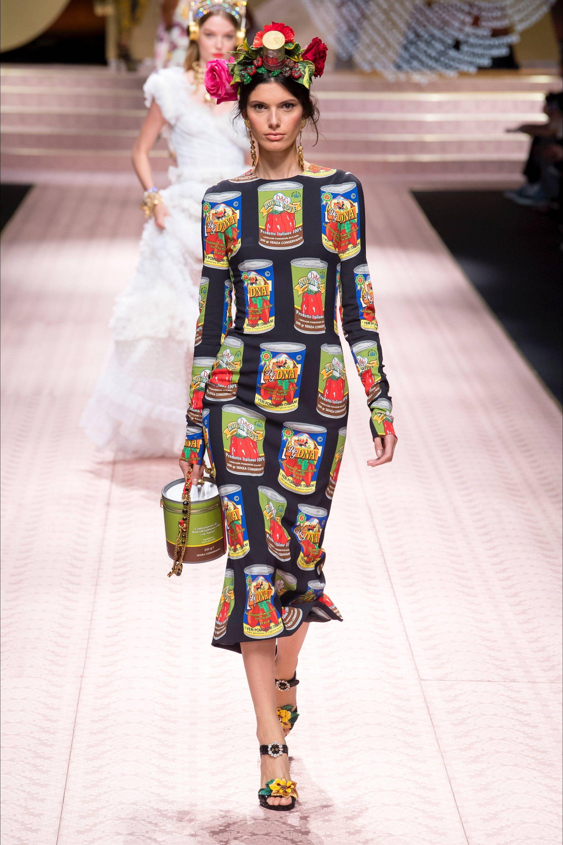 a412d42207 Sfilata Dolce & Gabbana Milano - Collezioni Primavera Estate 2019 - Vogue