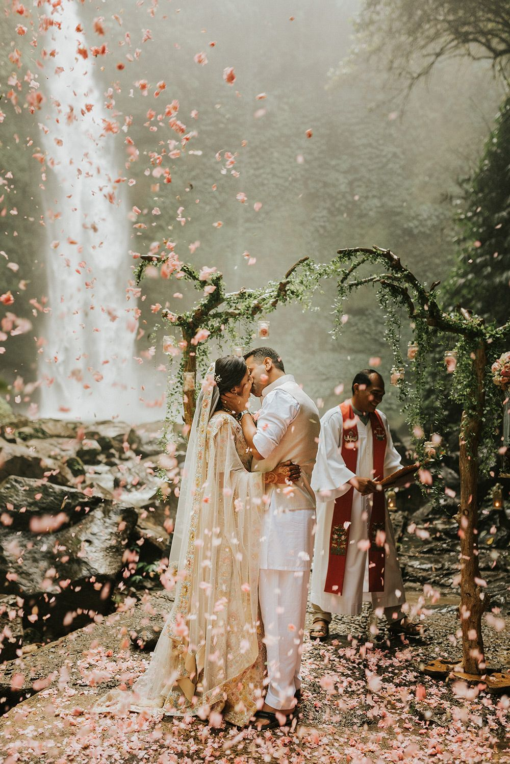 6 amazing Bali elopements and tips on planning your own | Wedding