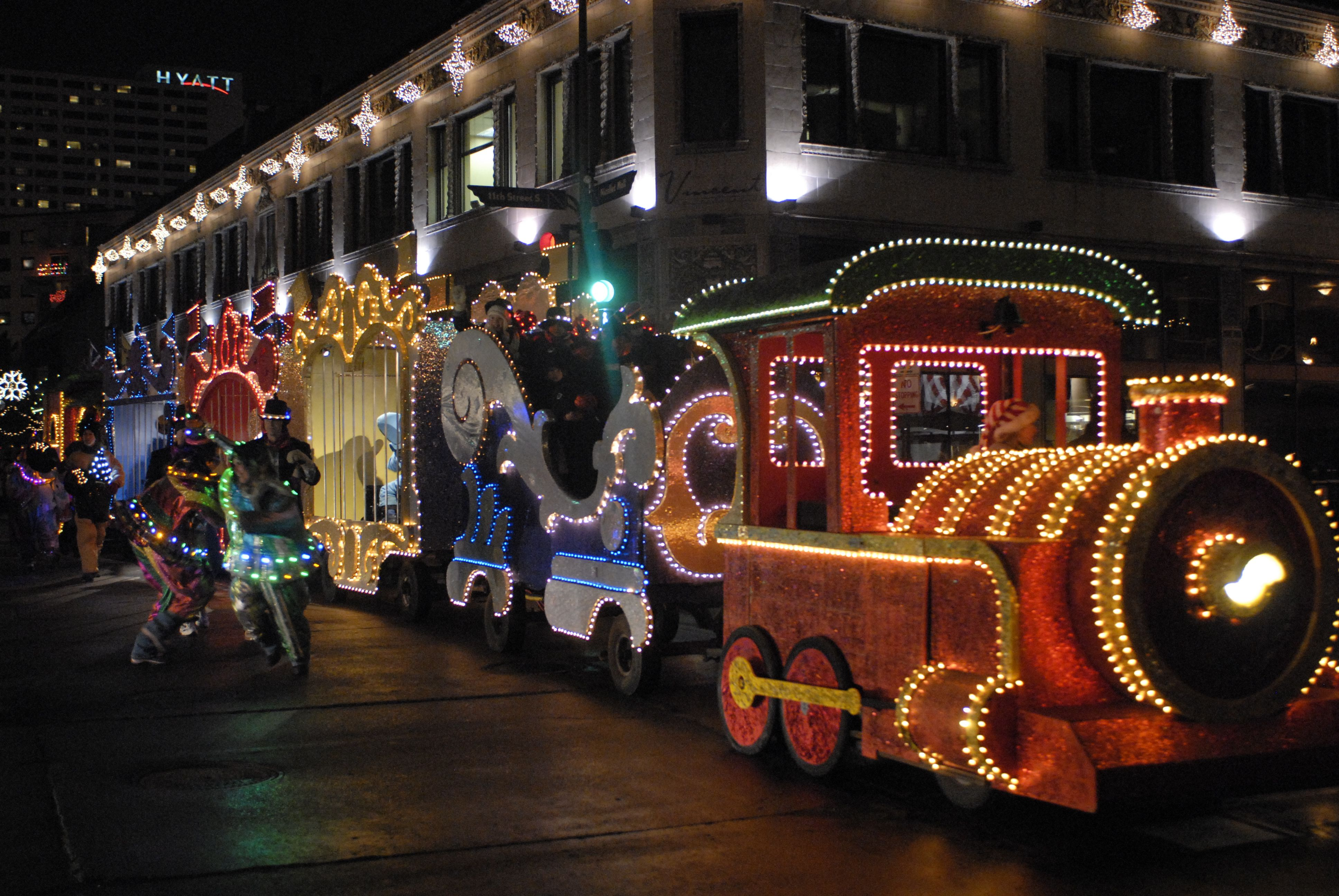 Minnesota Christmas Events.Target Holidazzle Parade Photo By Richard Westley Wong