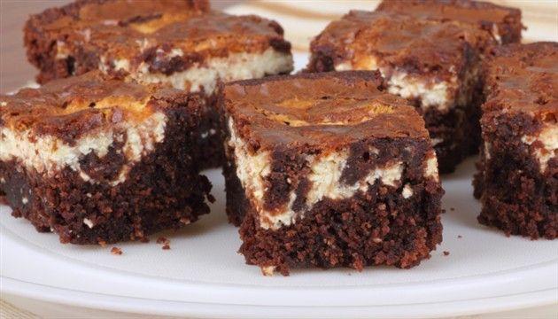 Nemoguće je odoljeti cheesecake brownies kockama | tportal.hr