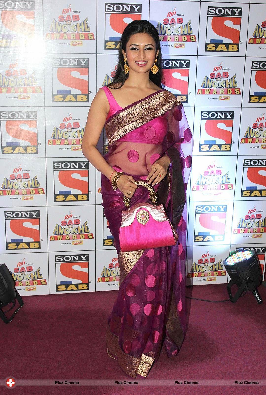 804ee295ac8b13 Divyanka Tripathi in transparent Saree with sleeveless Blouse ...
