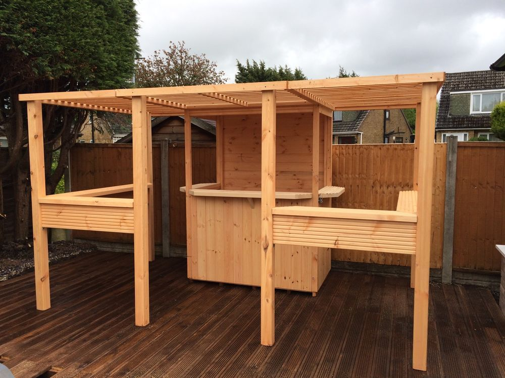 The deluxe sports bar garden bar summerhouse garden for Patio exterieur en bois