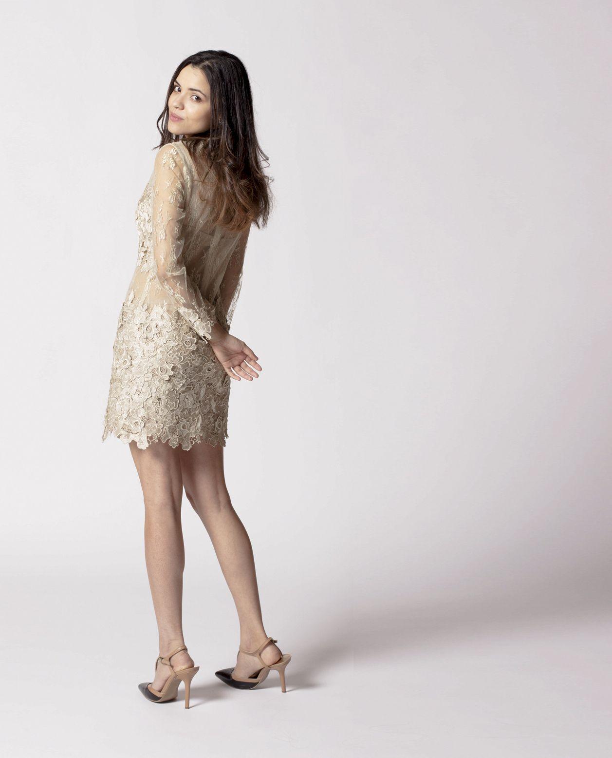 Model: Alexandra Photographer: Eva Make-up: Johnny Dress: 3NY