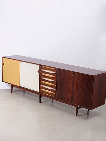Arne Vodder; Rosewood and Lacquer Sideboard for Sibast, 1960s.