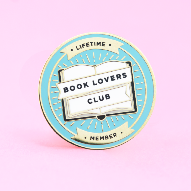 Book Lovers Club Pin – The Clever Clove