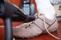 7f9caf4b762 Stretch New Shoes - wikiHow