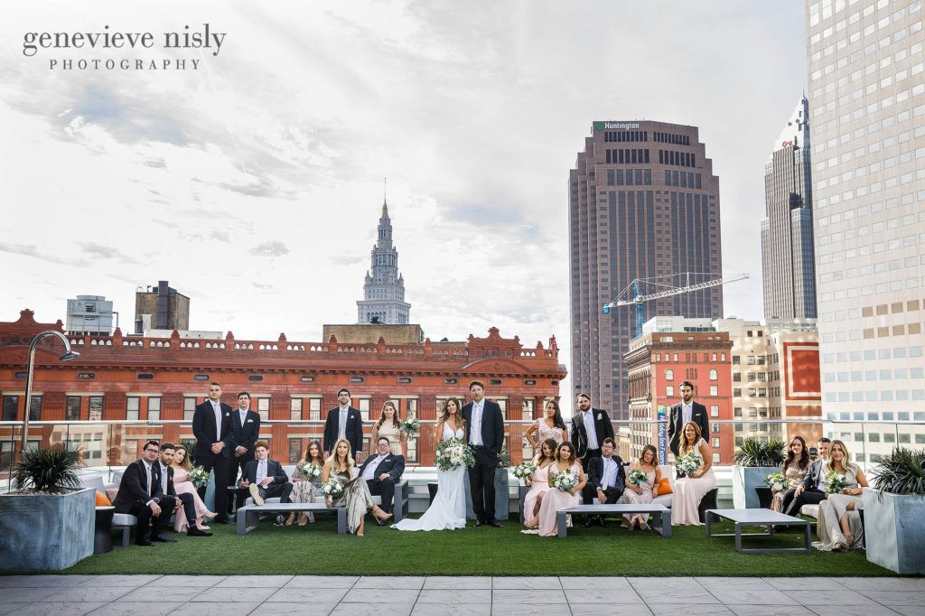 Skyline Views And Dramatic Setting For A Wedding On The Rooftop At Metropolitan At The 9 In Downtown Ohio Wedding Venues Skyline Wedding Outdoor Wedding Photos