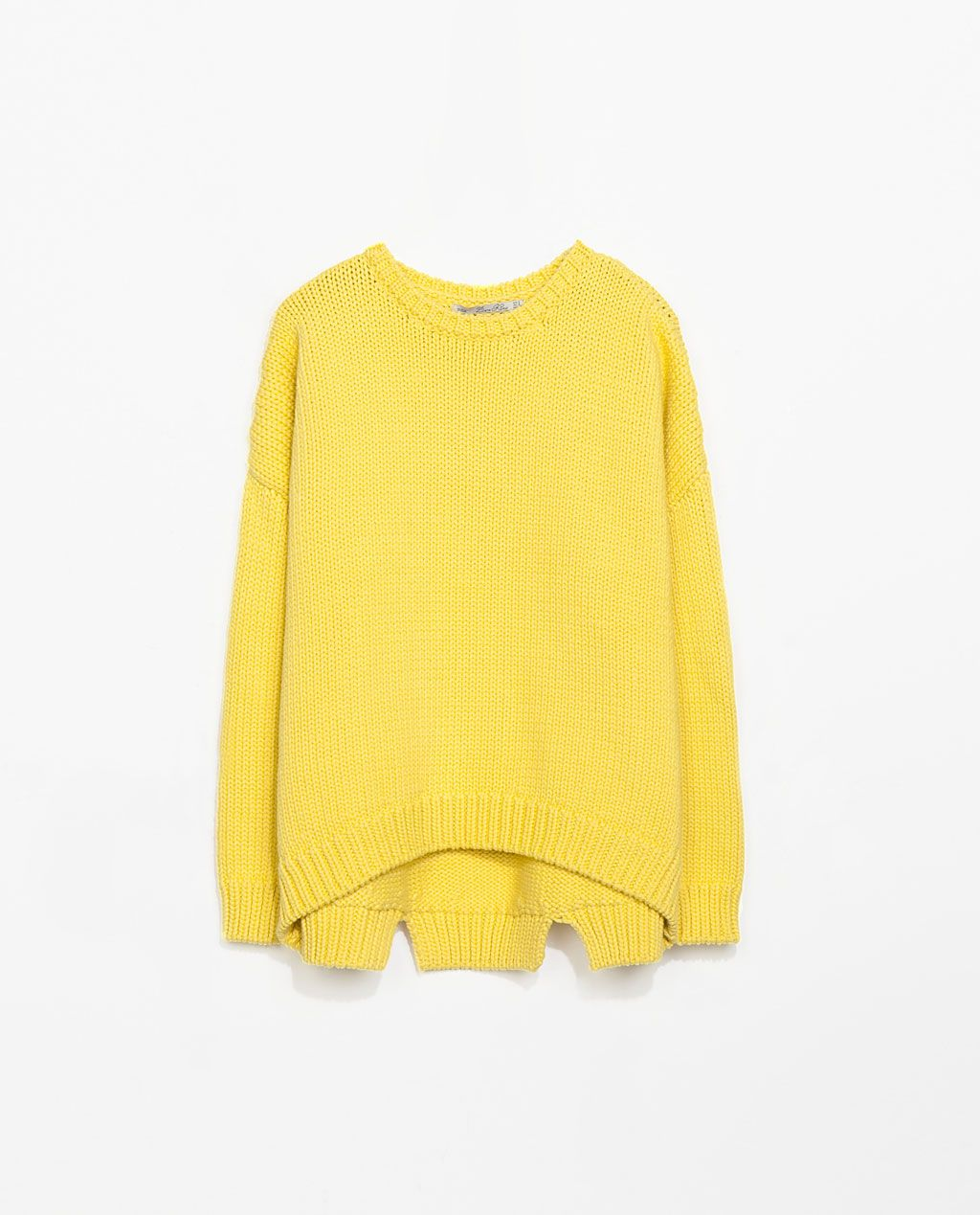 ... cable sweater by   Other Stories from one of our designs! Hermoso en  amarillo  ) ZARA - REBAJAS - JERSEY OVERSIZE 429bababa036