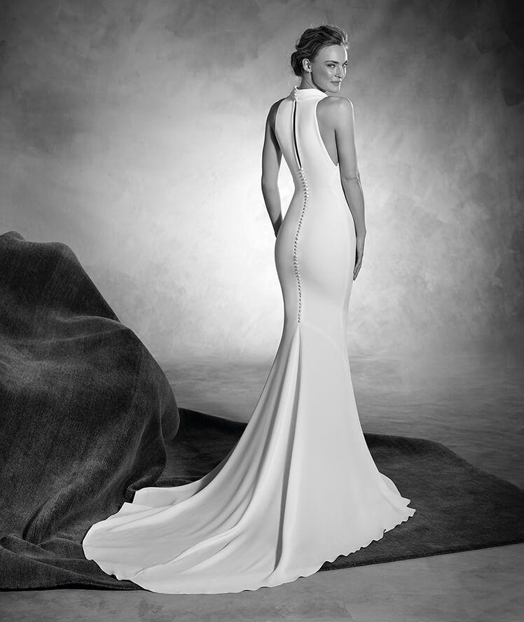 NIAGARA - Crepe wedding dress with a halter neckline and mermaid cut ...