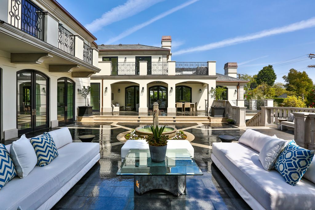 Extraordinary Home of the Week Stunning Brentwood Manor