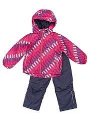 Комплект Lassie by Reima.  Этот прочный детский демисезонный комплект на легком утеплителе станет идеальным выбором для игр на свежем воздухе. Водоотталкивающий и ветронепроницаемый материал хорошо пропускает воздух так что в этой куртке не вспотеешь. Куртка снабжена безопасным съемным капюшоном и прочными усилениями на спинке. Эластичный регулируемый подол позволяет подогнать куртку идеально по фигуре. Красивая и гладкая подкладка из полиэстера хорошо пропускает воздух и облегчает одевание…