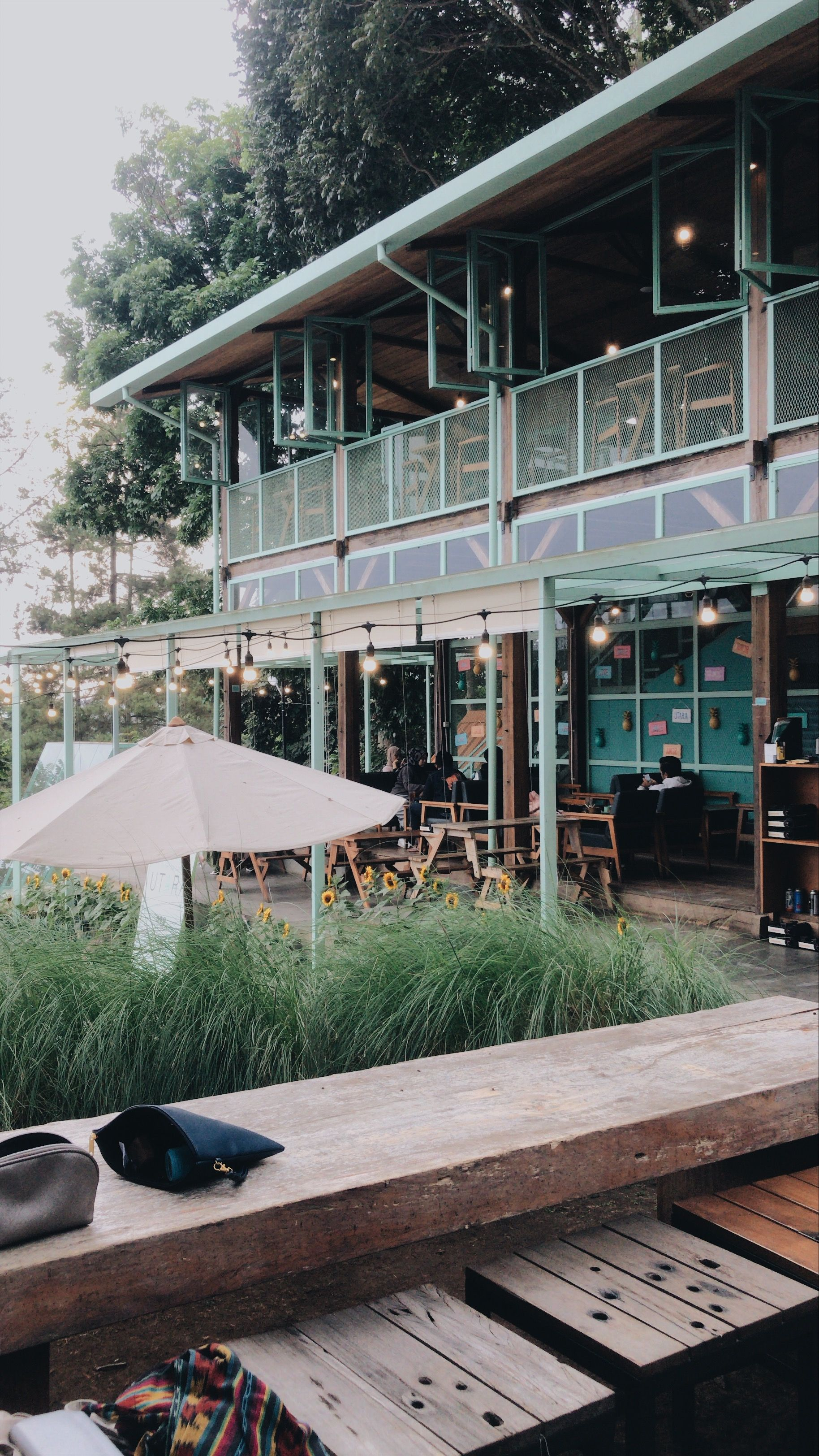 Still At Utara Cafe Bandung Di 2020 Gambar Kota Fotografi Fotografi Jalanan