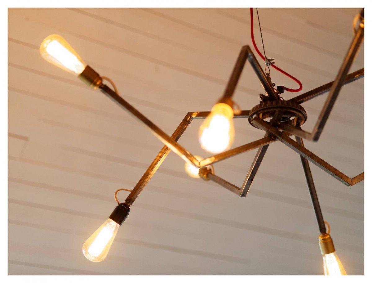 Grand lustre industriel design articulé en acier et ampoules vintage