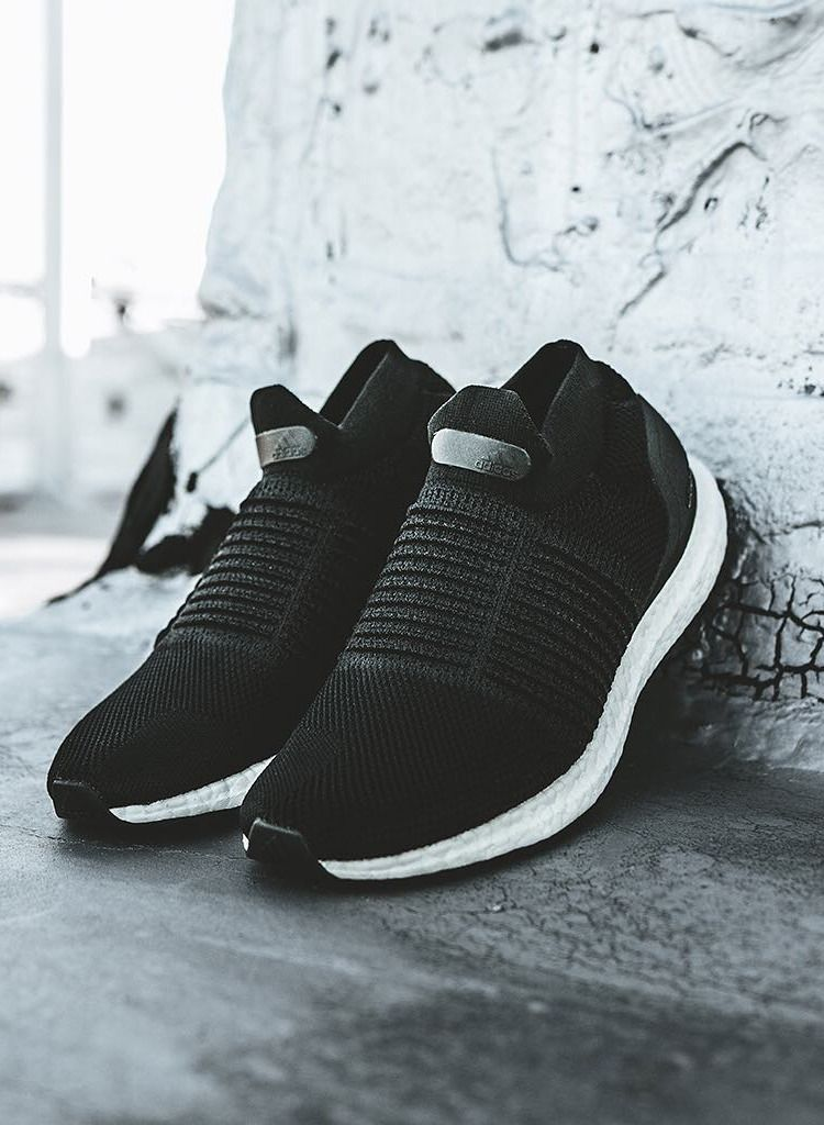 adidas Ultra Boost Laceless S80770 | Adidas, Sock shoes