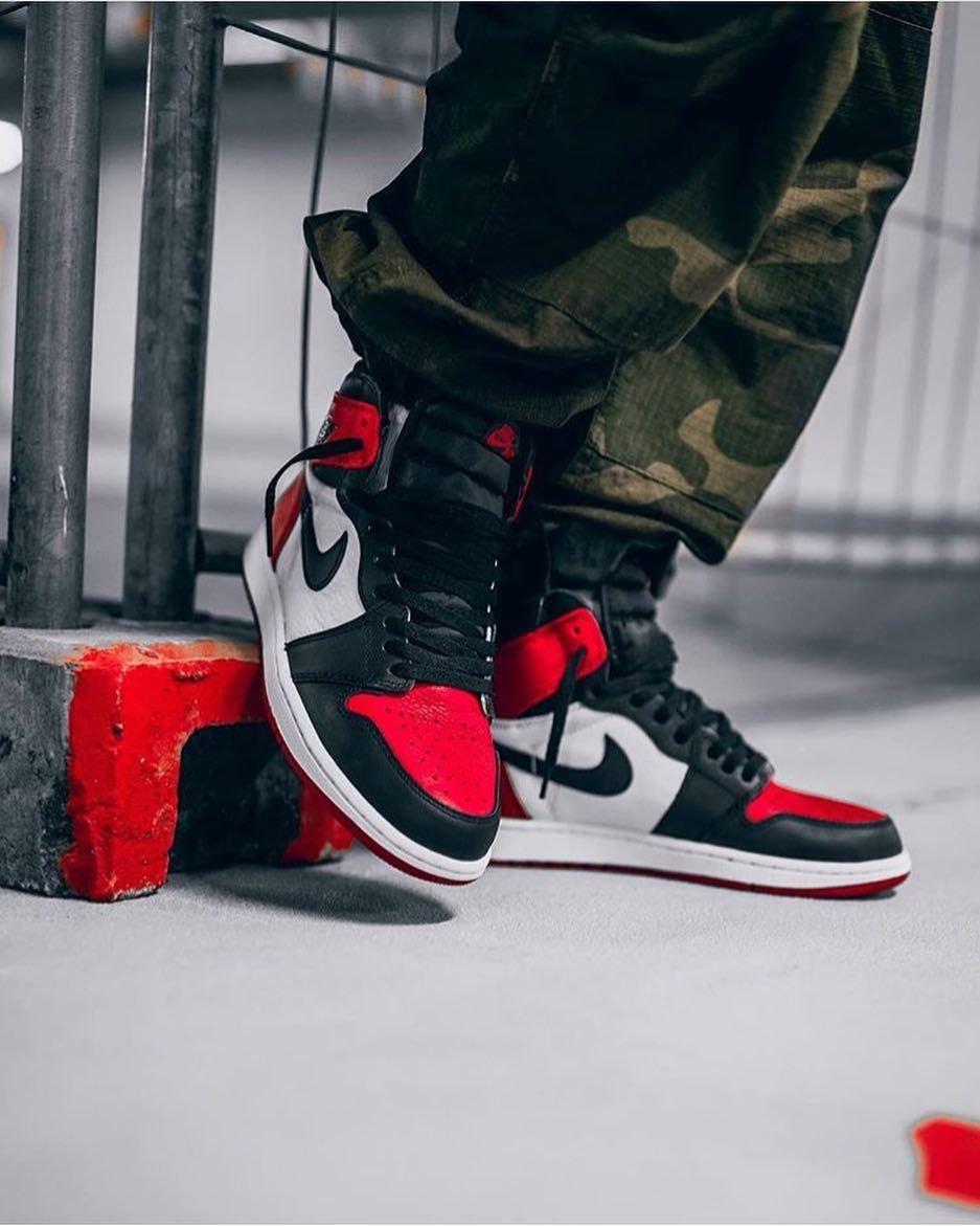 da7f0d36b94b  jumpman23 combines two classic colorways and releases the Air Jordan 1  Bred Toe. The sneaker will be released on February 24th at retailers like  ...