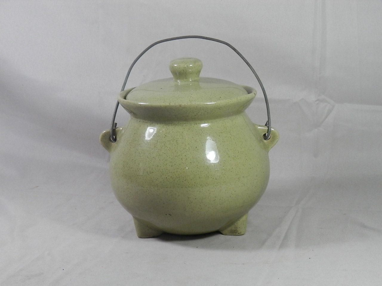 Vintage Stoneware 3 Footed Bean Pot with Lid Bail Handle Avocado Green Tureen Cauldron Kettle Ceramic Pottery by WesternKyRustic on Etsy