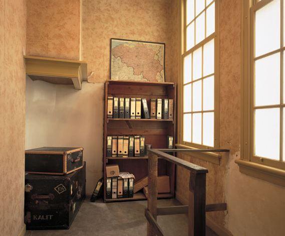 Misschien wel de bekendste boekenkast ter wereld: de toegang tot het achterhuis waar Anne Frank met haar familie onderdook.