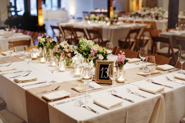 Hessian table runners and neutral colours