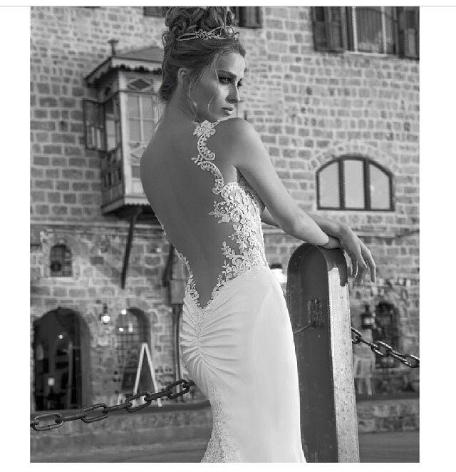 My dream wedding gown in love! Perfection! | Dream wedding ...