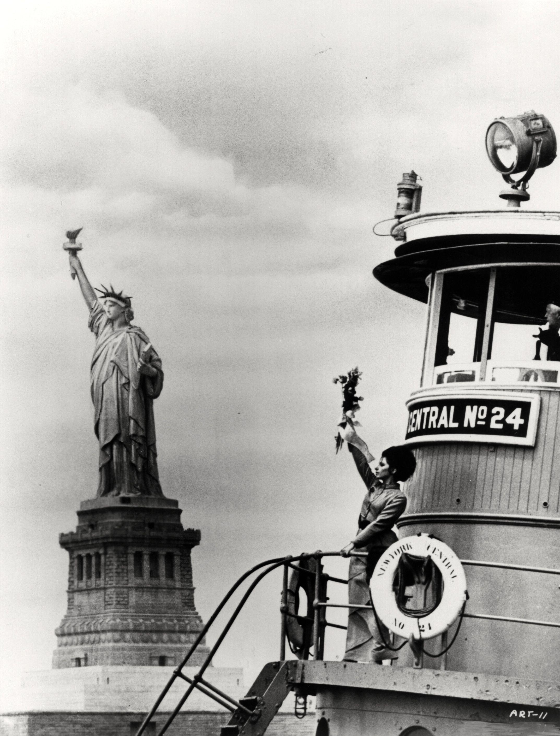 """Résultat de recherche d'images pour """"barbra streisand Lady Liberty"""""""