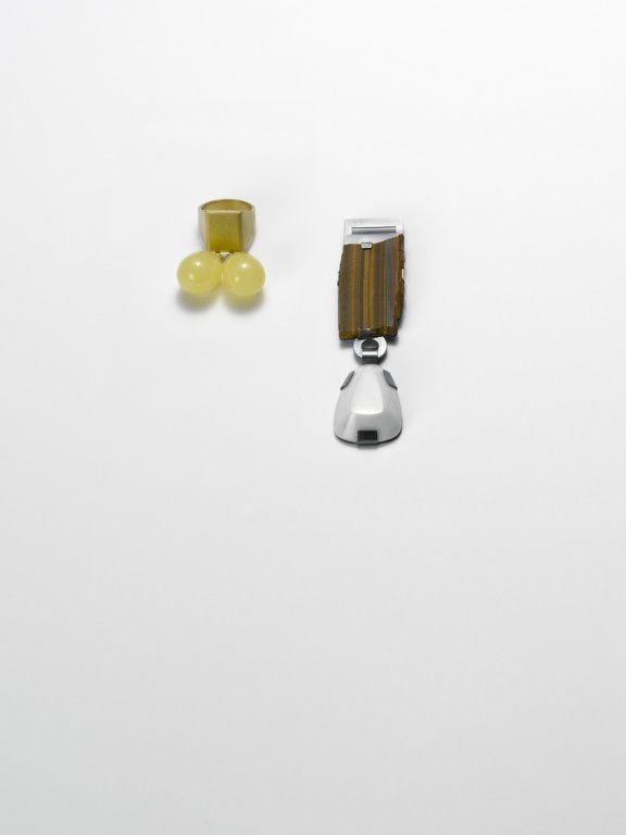 Ute Eitzenhöfer - ring, 2010, 18 ct gold, amber - brooch, 2010, silver, tiger-eye, marble