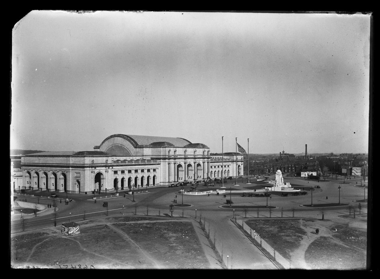 "1905-1915. ""Union Station, Washington, D.C.""Detroit Publishing Company Photograph Collection, Library of Congress."