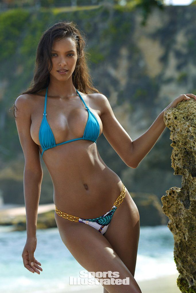 Lais Ribeiro makes her debut appearance in Sports ...