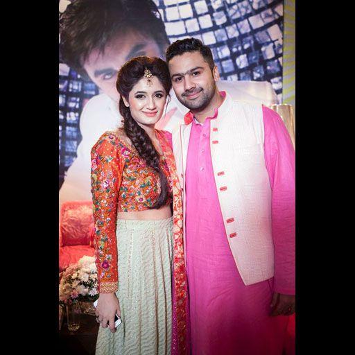 Faiza Ansari S Mehndi Celebrations On Secret Closet Middle Eastern Fashion Pakistani Fashion Formal Wear Women