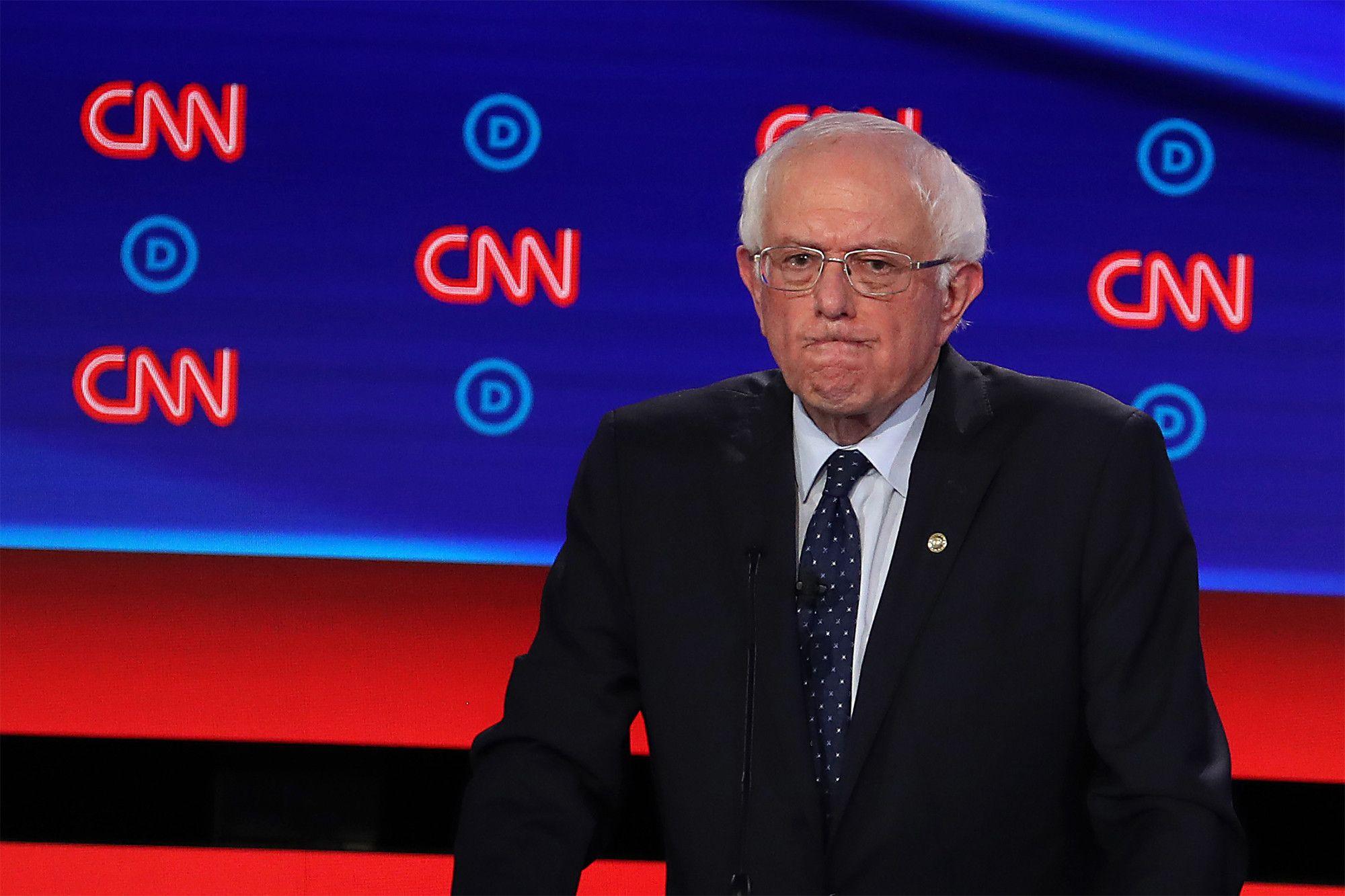 Bernie Sanders Trashes Democratic Debate Format As Demeaning Bernie Sanders Democratic Debate Democratic Presidential Candidates