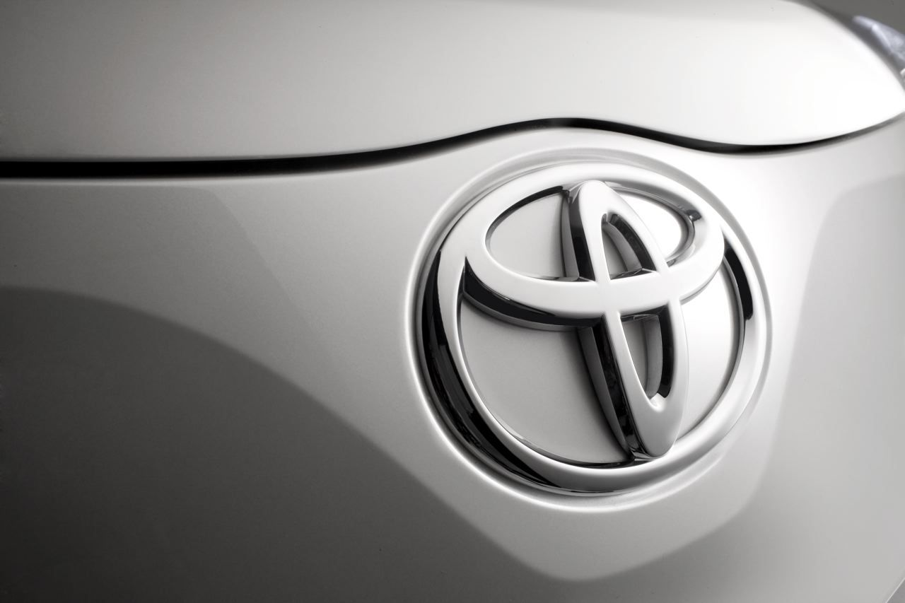 Toyota To Have All Vehicles Sold In The Us Manufactured In The Us Good Or Bad Toyota Logo Toyota Car Brands Logos