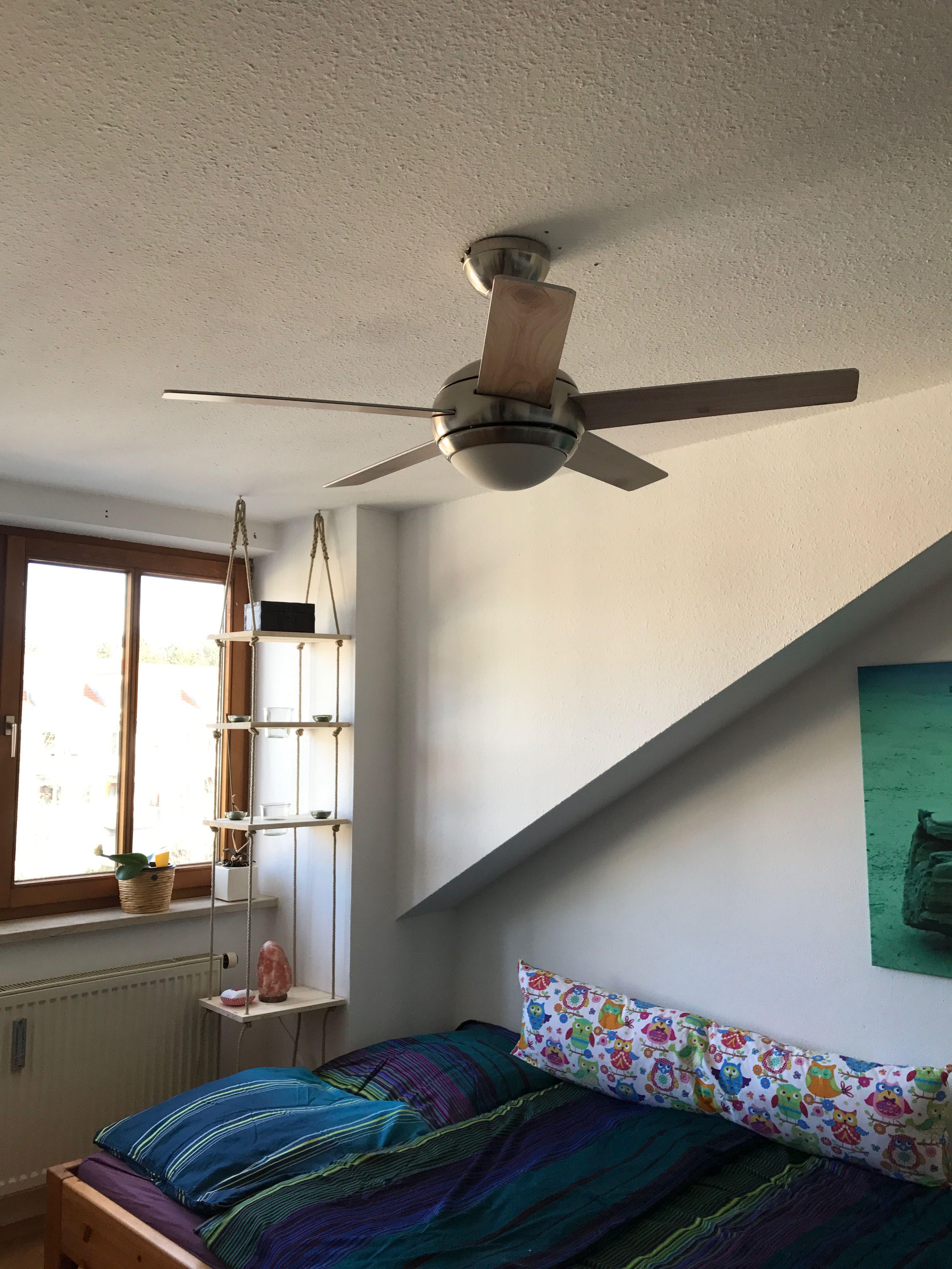 Ventilator an der Decke über dem Bett | Wohnzimmer / Schlafzimmer ...